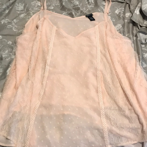 torrid Tops - NEVER WORN! Peachy pink adorable blouse tank